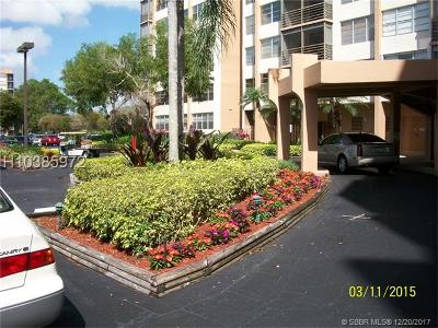 Pembroke Pines Condo/Townhouse For Sale: 1200 Saint Charles Pl #604