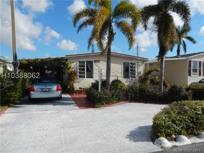 Dania Beach Single Family Home For Sale: 5581 Lakeshore Dr