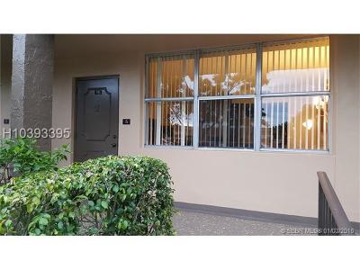 Sunrise Condo/Townhouse For Sale: 9141 Sunrise Lakes Blvd #118
