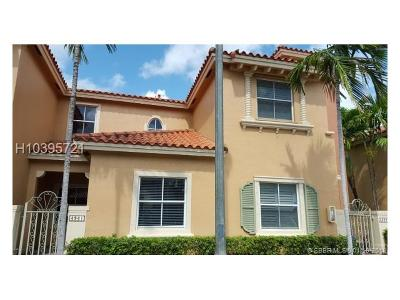 Fort Lauderdale Condo/Townhouse For Sale: 4941 Tradewinds Ter #805