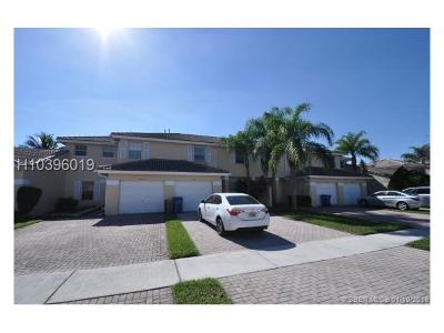Sunrise Condo/Townhouse For Sale: 8984 NW 53rd Ct #8984