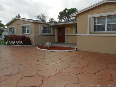 Miami Gardens Single Family Home For Sale: 1320 NW 196th Ter