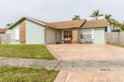 Pembroke Pines Single Family Home For Sale: 8501 NW 4th St