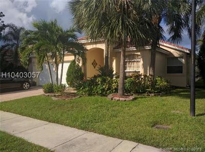 Weston Single Family Home For Sale: 48 Gables Blvd