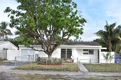 Hollywood Single Family Home For Sale: 6841 Greene St