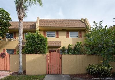 Davie Condo/Townhouse For Sale: 7175 Nova Dr #401