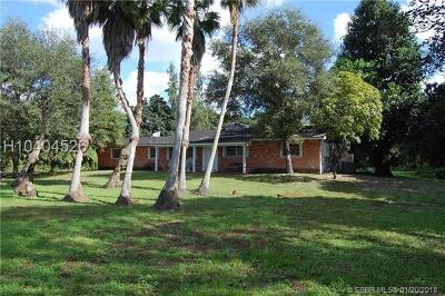 Davie Single Family Home For Sale: 4450 SW 95th Ave