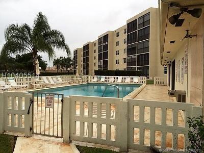 Dania Beach Condo/Townhouse For Sale: 190 SE 5th Ave #101