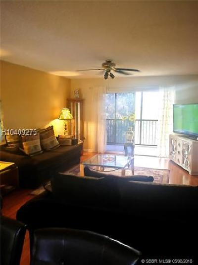 Pembroke Pines Condo/Townhouse For Sale: 900 SW 142nd Ave #307L