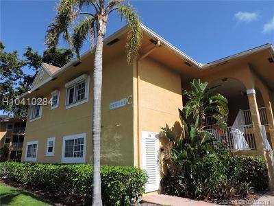 Dania Beach Condo/Townhouse Backup Contract-Call LA: 811 SE 4th Ave #C105
