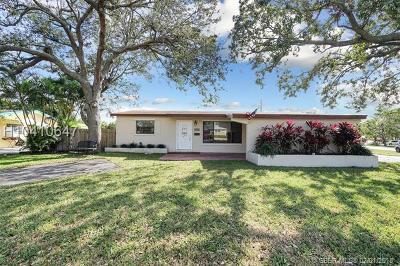 Hollywood Single Family Home For Sale: 3338 Taft St