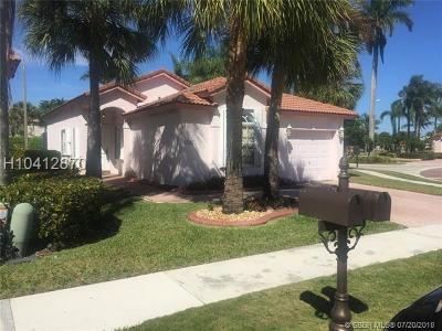 Pembroke Pines Single Family Home For Sale: 15807 SW 16th St