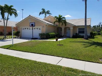 Pembroke Pines Single Family Home For Sale: 18836 NW 1st Street