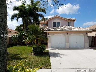 Davie Single Family Home For Sale: 343 Royal Cove Way