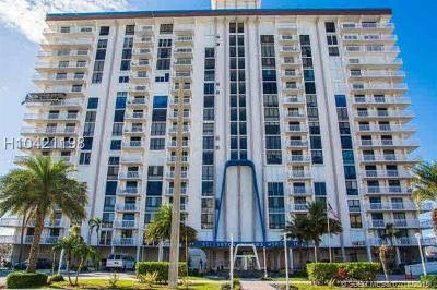 Hollywood Condo/Townhouse For Sale: 1500 S Ocean Dr #9D