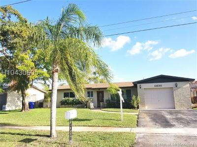 Pembroke Pines Single Family Home For Sale: 11630 Sheridan St