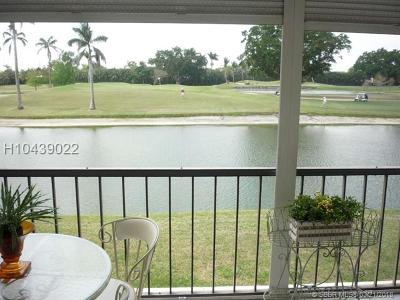 Pembroke Pines Condo/Townhouse For Sale: 9923 S Hollybrook Lake Dr #207