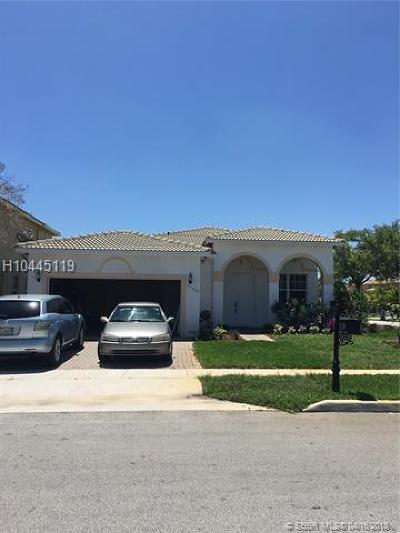 Miramar Single Family Home For Sale: 13220 SW 53rd St