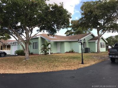Plantation Single Family Home For Sale: 8917 NW 9th Pl