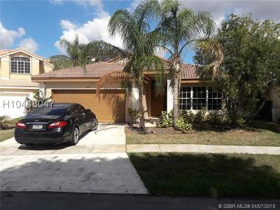Pembroke Pines Single Family Home For Sale: 18063 SW 13th St