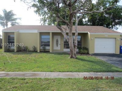 Pembroke Pines Single Family Home For Sale: 1140 NW 96th Ter