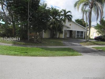 Lauderhill Single Family Home For Sale: 7370 NW 38th Ct