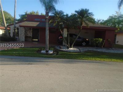 Tamarac Single Family Home For Sale: 7856 Beechfern Circle