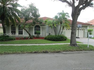 Pembroke Pines Single Family Home For Sale: 1583 NW 182nd Way