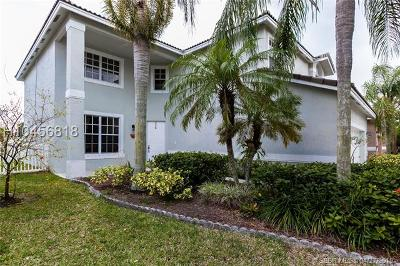 Pembroke Pines Single Family Home For Sale: 16280 NW 17th St