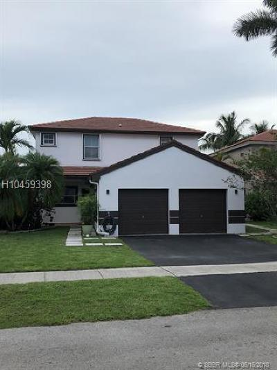 Pembroke Pines Single Family Home For Sale: 19197 NW 22nd St