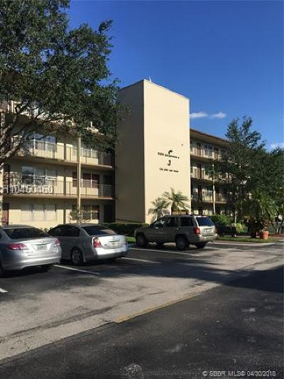 Pembroke Pines Condo/Townhouse For Sale: 101 SW 132nd Way #J301
