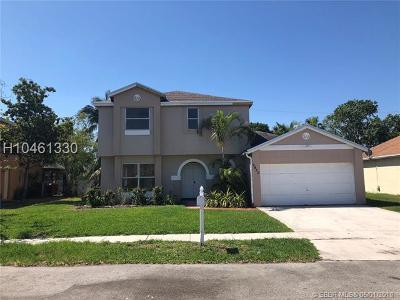 Miramar Single Family Home For Sale: 9420 Atlantic St