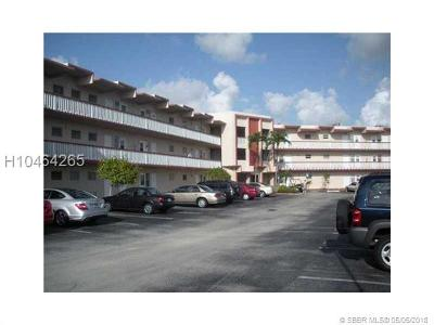 Hollywood Condo/Townhouse For Sale: 2309 Park Ln #107