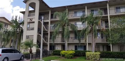 Pembroke Pines Condo/Townhouse For Sale: 800 SW 142nd Ave #206N