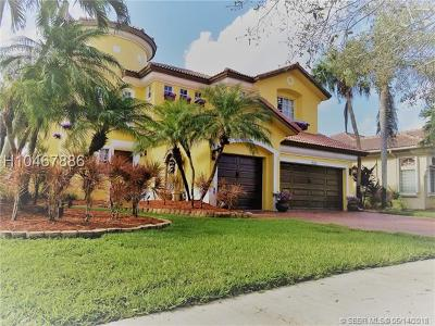 Miramar Single Family Home For Sale: 19250 SW 30th St