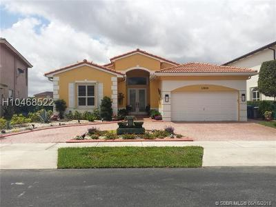 Miramar Single Family Home For Sale: 13826 SW 28th St