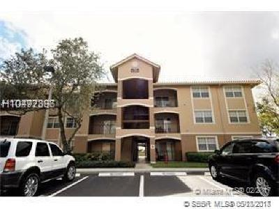 Pembroke Pines Condo/Townhouse For Sale: 11650 SW 2nd St #16202