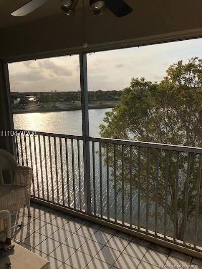 Pembroke Pines Condo/Townhouse For Sale: 13101 SW 11th Ct #404B