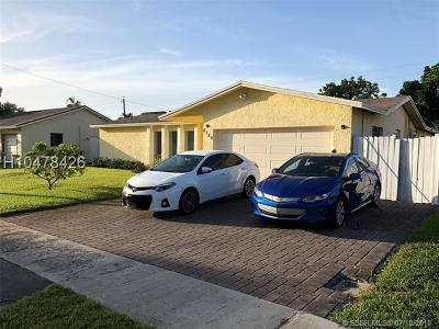 Lauderhill Single Family Home For Sale: 8250 NW 47th Ct