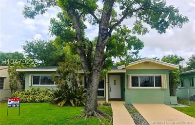 Dania Beach Single Family Home For Sale: 279 SW 8th St