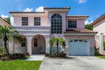 Cooper City Single Family Home For Sale: 10711 N Saratoga Dr