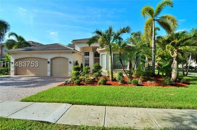 Miramar Single Family Home For Sale: 19534 SW 51st Ct