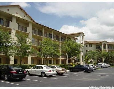 Pembroke Pines Condo/Townhouse For Sale: 801 SW 141st Ave #212O