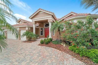 Davie Single Family Home For Sale: 8119 S Savannah Cir