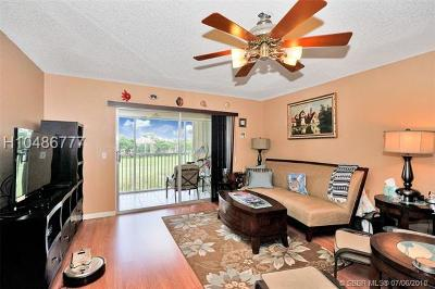 Pembroke Pines Condo/Townhouse For Sale: 701 SW 128th Ave #407F