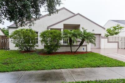 Pembroke Pines Single Family Home For Sale: 1471 SW 85th Ave