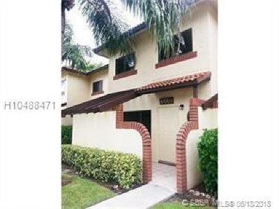Sunrise Condo/Townhouse For Sale: 4669 NW 89th Ave #4669