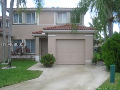 Davie Condo/Townhouse For Sale: 11011 SW 16th Mnr