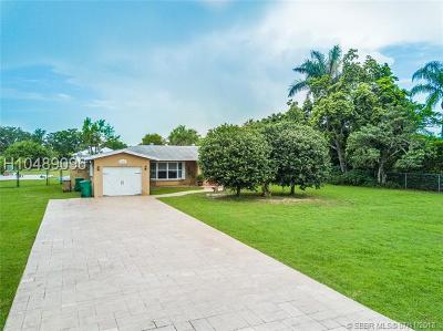 Single Family Home For Sale: 13950 SW 20th St
