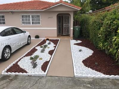 Hialeah Single Family Home For Sale: 2407 W 70th Pl